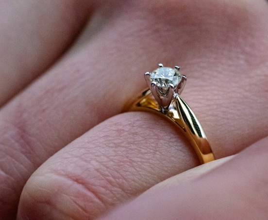 Diamond guides Sell engagementring 3